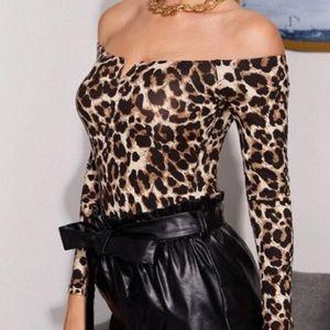 Off the shoulders bodysuit Size M